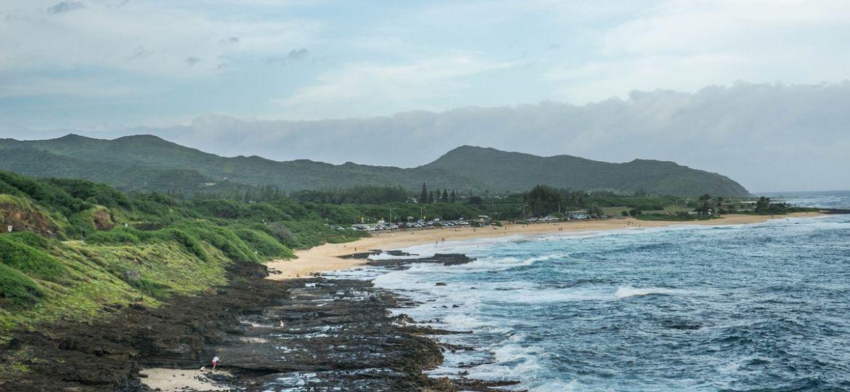 view along a rocky shoreline of Oʻahu